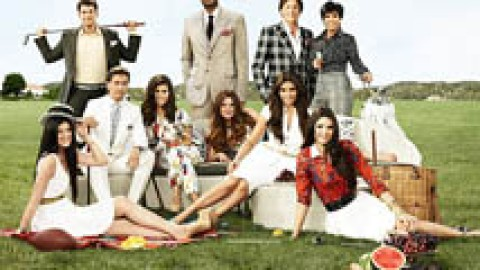 The Kardashian Reign May Be Over: 3 Theories Why 'Keeping Up' Dropped in Ratings | StyleCaster