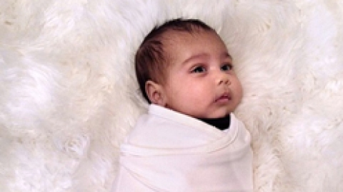 Baby Wardrobe Alert: North West Apparently Does Not Wear Pink | StyleCaster