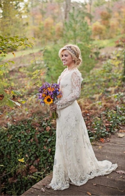 Kelly-clarkson-weddingdress3