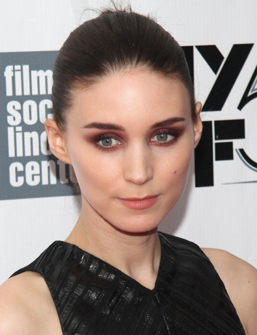 rooney mara How to Nail the Red Eyeshadow Look