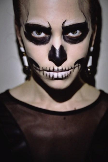 DIY Glam Skeleton Halloween Makeup Tutorial