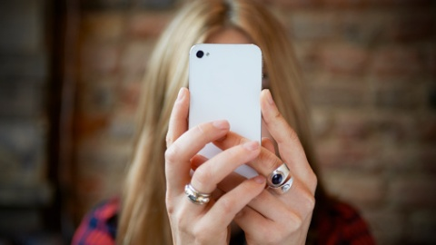 It's Official: 'Selfie' Is Oxford's 2013 Word Of The Year | StyleCaster