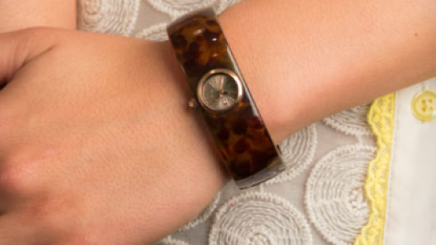 Want: A Dainty Acetate Watch Bangle (For Less Than $75) | StyleCaster