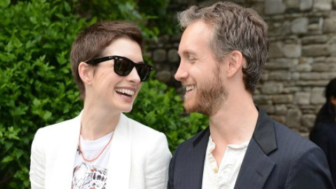Oops! Anne Hathaway's Brother Spills That The Actress Is Pregnant | StyleCaster