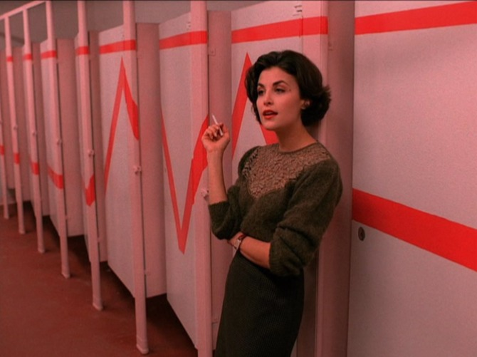 audreyhorne4 Cult 90s TV Show Twin Peaks Inspires Small New Fashion Line