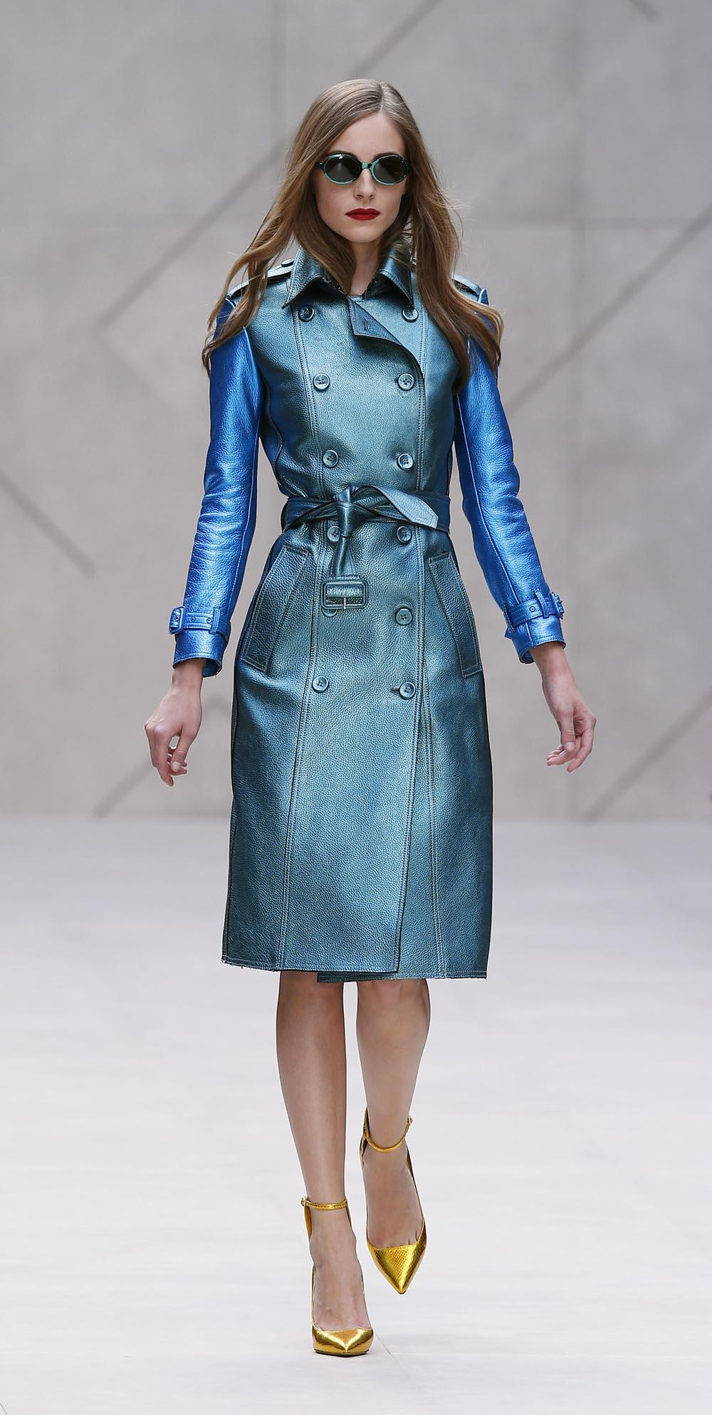 burberry metallic coat How To Make Your Waist Look Smaller: 10 Easy Tricks That Really Work