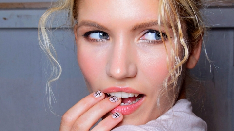 Your Ultimate Guide to Easy First-Date Makeup Looks   StyleCaster