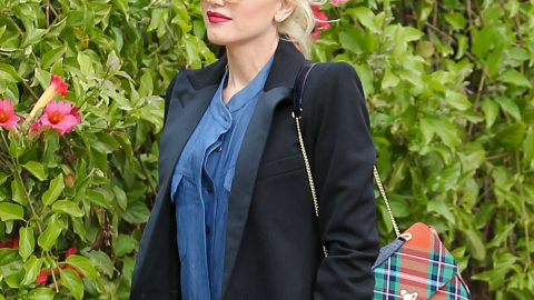 We Tracked Down Gwen Stefani's Perfect Black Chelsea Boots   StyleCaster