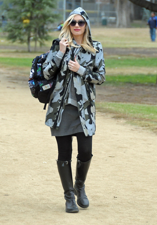 Gwen Stefani Takes Kingston To His Soccer Game