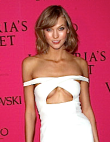 The 'Underboob' Is Having a Serious Moment: See 10 Stars Rocking the Scandalous...