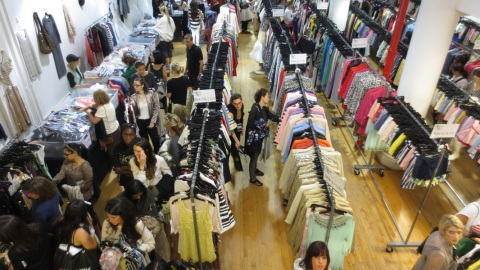 How To Shop a Sample Sale | StyleCaster