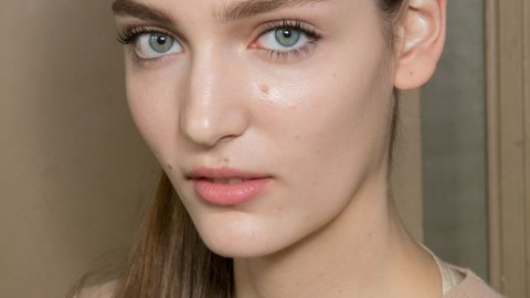 6 Winter Habits That Could Seriously Be Ruining Your Skin | StyleCaster