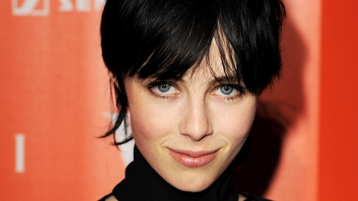 6 Things To Know About Brit Model of The Year Edie Campbell