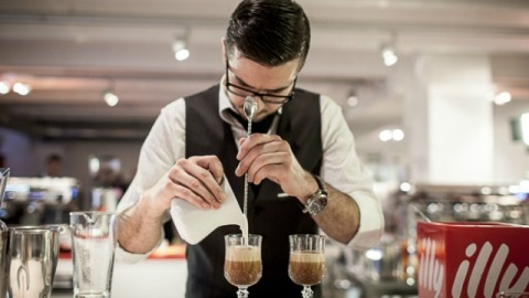 Weekend Cocktail: The Frangelico Froth | StyleCaster