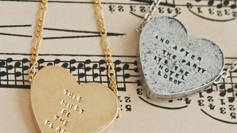 Want: A Necklace With an R. Kelly Quote On It | StyleCaster