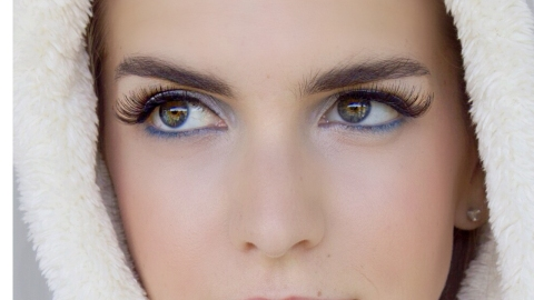 Beauty How-To: Icy Makeup | StyleCaster