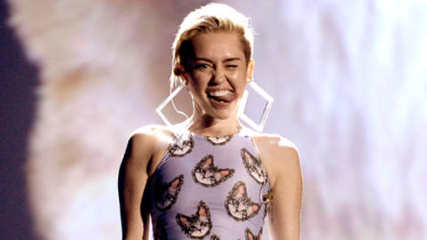 Topless Photos of Miley Cyrus Are Here | StyleCaster