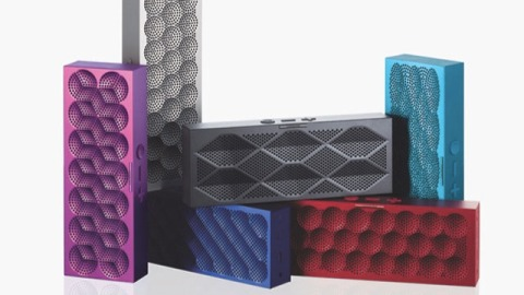 Gifts We Love: For Music Lover, Give the Jawbone Jambox Mini | StyleCaster