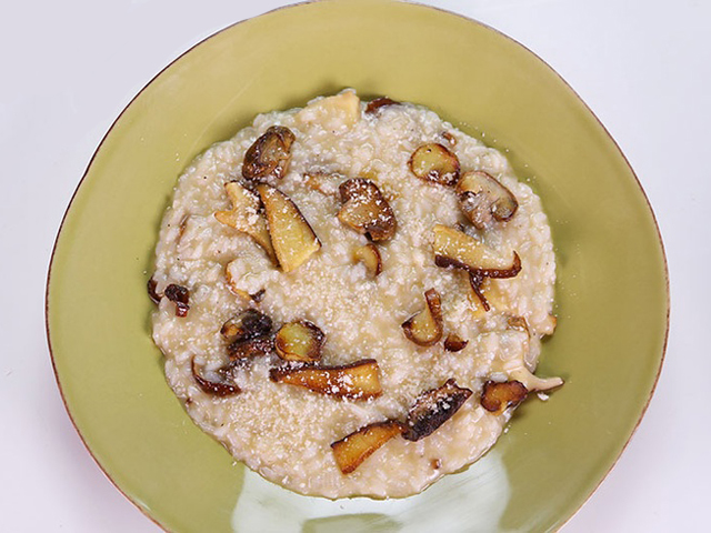 31a6fc51c83cfeaf4dcbf74615c3866a Make Mario Batalis Risotto With Mushroom and Vin Santo At Home