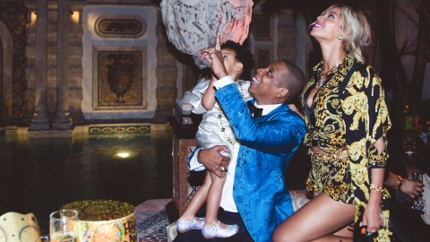 Blue Ivy Parties at Versace Mansion | StyleCaster