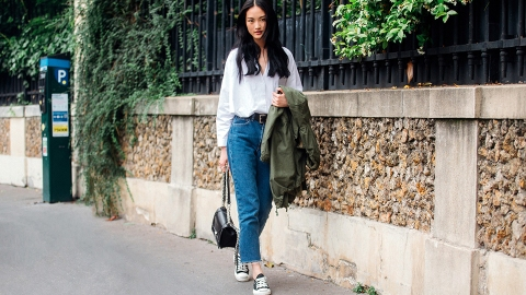 50 Fresh Ways To Wear Your Favorite Pair of Blue Jeans | StyleCaster