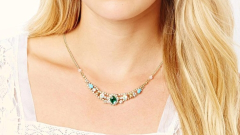 Costume Jewelry That Only Looks Pricey | StyleCaster