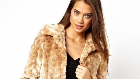 20 Chic Faux-Fur Pieces  | StyleCaster