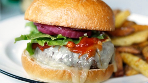 The 12 Best Burgers In America   StyleCaster