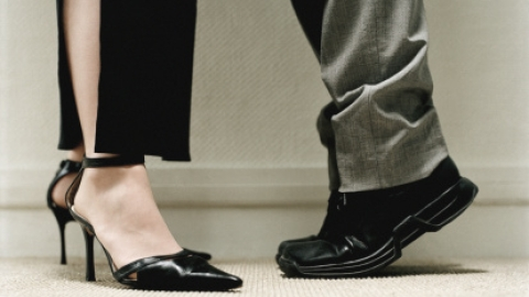 Does Height Matter to Men or Women? | StyleCaster