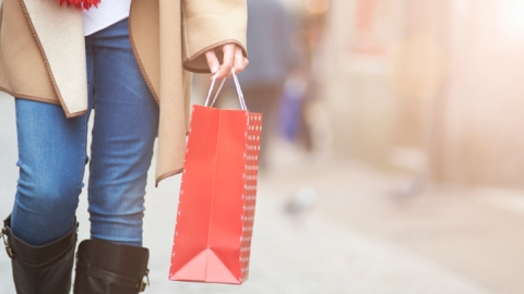 How to Shop at Outlets | StyleCaster
