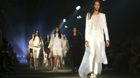 How to Watch Every NYFW Show | StyleCaster