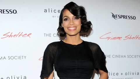 How Rosario Dawson Stays in Shape | StyleCaster