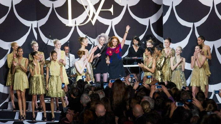 See Every Look From Diane Von Furstenberg's 40th Anniversary Show