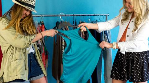 Two Bloggers Go Head To Head   StyleCaster