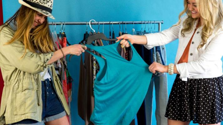 Two Style Bloggers go Head to Head in a Spring Break Fashion Challenge