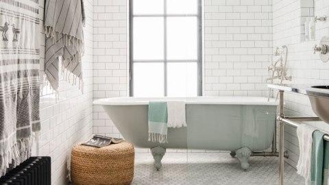 15 Smart Bathroom Storage Ideas That Don't Scream 'DIY' | StyleCaster