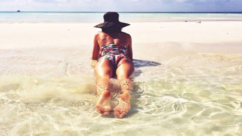 Exclusive Pics from The Maldives | StyleCaster