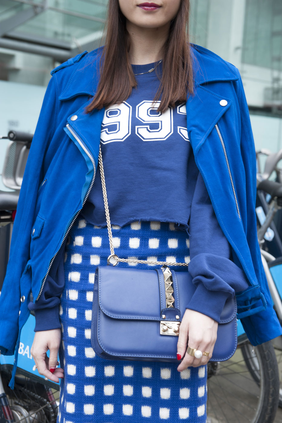 jacket drape 15 Signs Youll Never End Up on a Street Style Blog