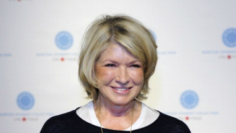 Martha Stewart on How to Make a Bed   StyleCaster
