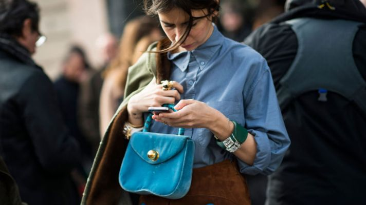 30 Photos of Fashion People on Their Phones