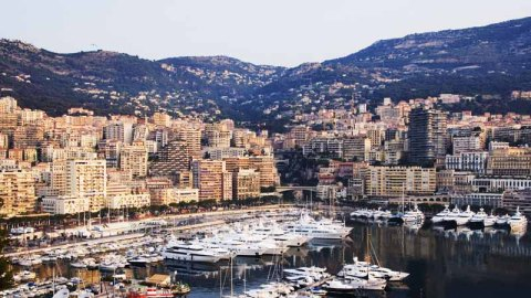 """Monte Carlo Insider's Guide: From the Best View In Town to the """"It"""" Restaurant   StyleCaster"""