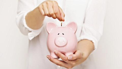How Much Money Should I Save Every Year? | StyleCaster