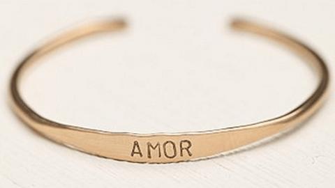 15 Delicate Bracelets To Shop Now | StyleCaster