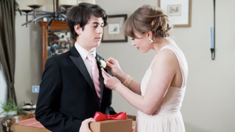 The 10 Best Promposals Ever | StyleCaster