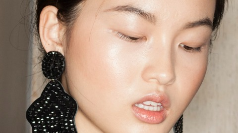 How to Make the Most Out of Highlighter | StyleCaster