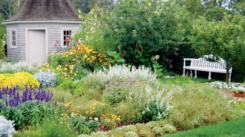 What I Learned About Gardening From Bunny Mellon | StyleCaster