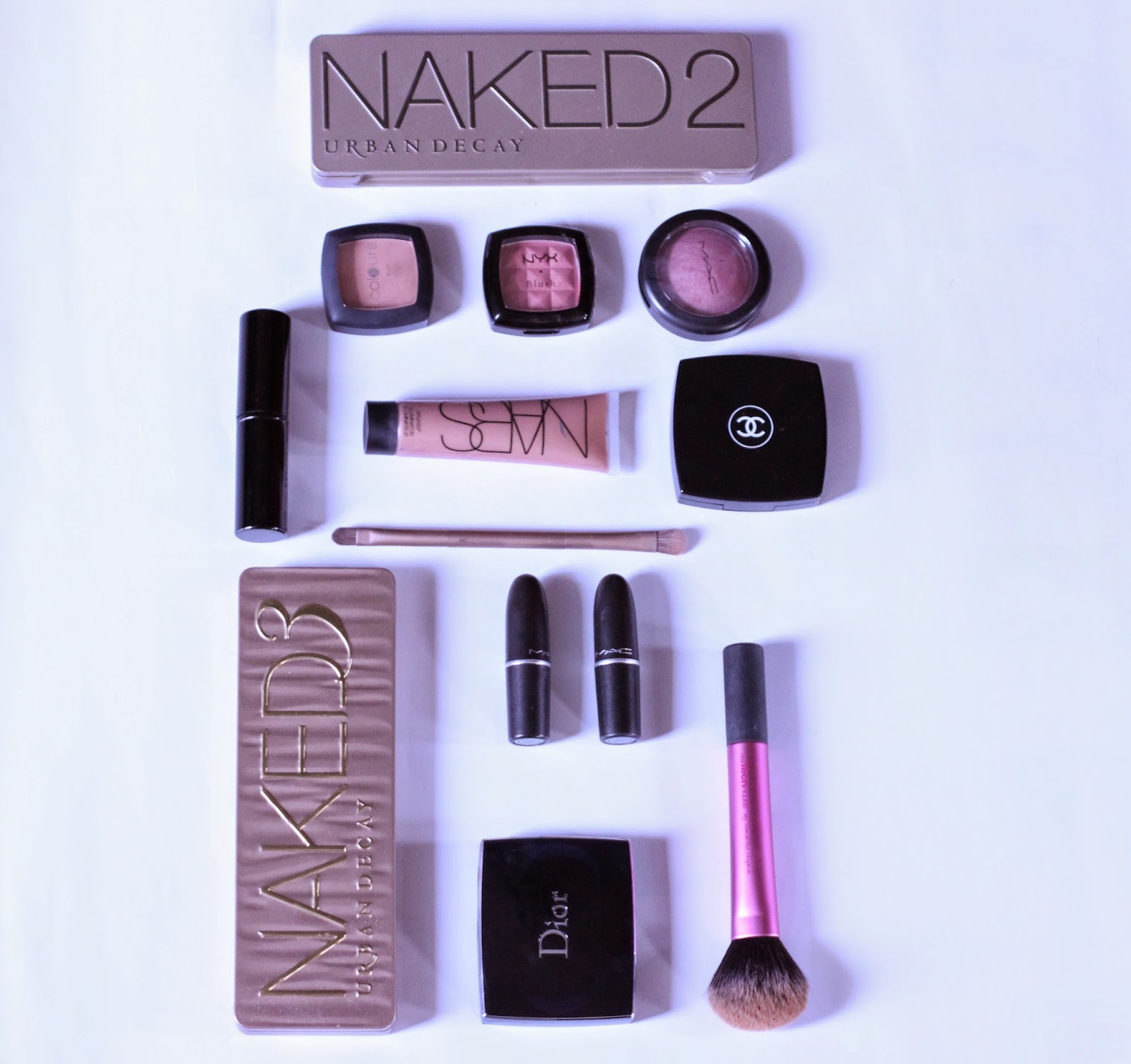 how to stop makeup from melting flat lay summer tips