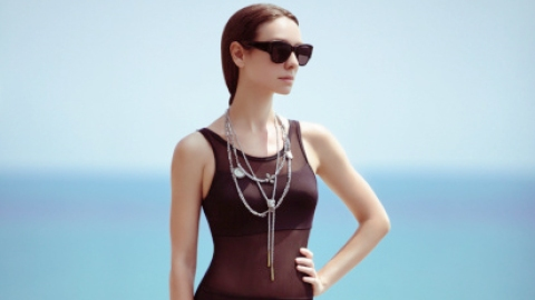 3 Ways to Wear a Swimsuit IRL | StyleCaster