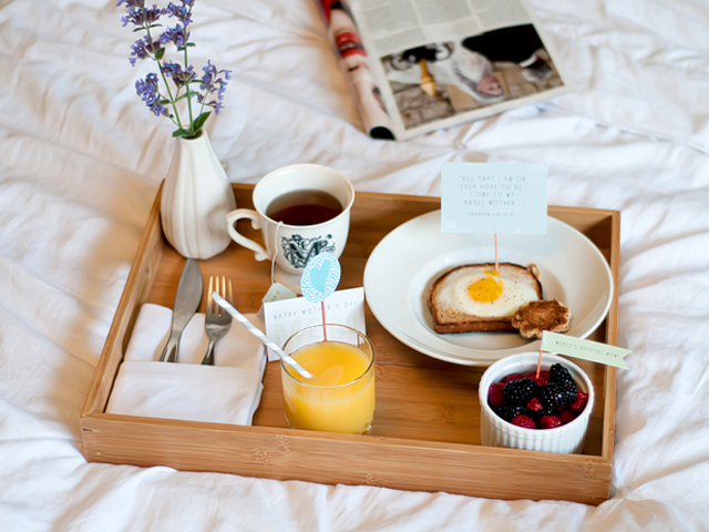 x17927 How to Make the Perfect Breakfast in Bed For Mothers Day