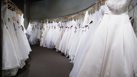 50 Unique Places To Buy a Wedding Dress   StyleCaster